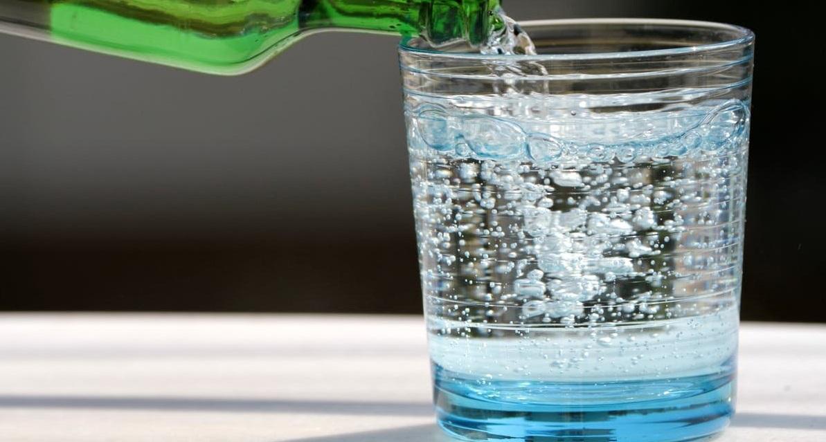 agua con gas y super alimentos